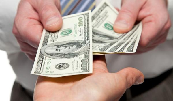 Vay và nợ thuê tài chính dài hạn được coi là nợ dài hạn của doanh nghiệp.
