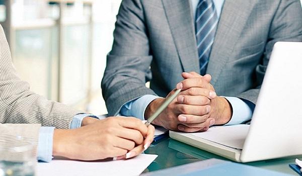 Kế toán trưởng phải là người có chuyên môn, nghiệp vụ cao.